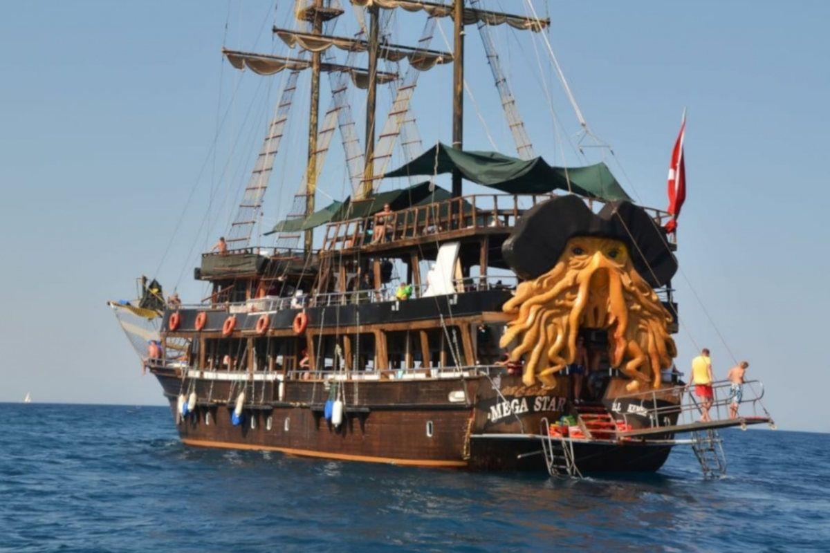 paseo-barco-pirata